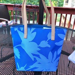 Blue floral midsized tote bag man made materials